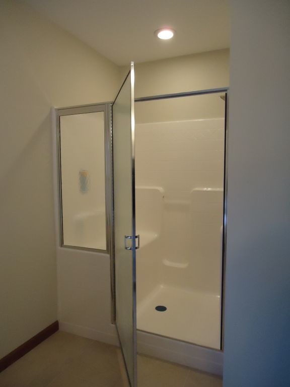 60x48 Shower with Molded Seat | Pennwest Homes