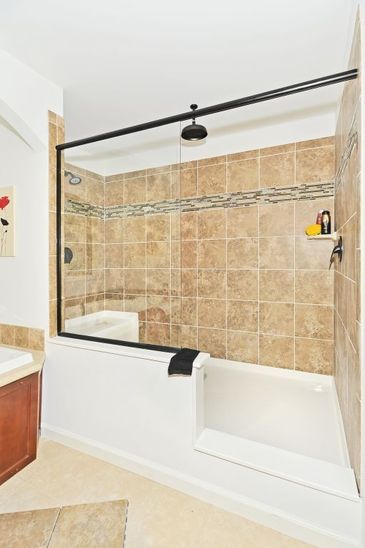 48x96 Ceramic Serenity Shower Pennwest Homes